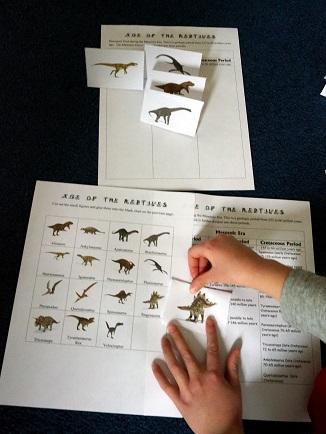 Dinosaur-Lapbook-Activity